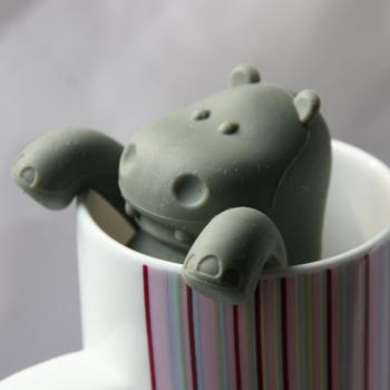 Hippo mug tea infuser