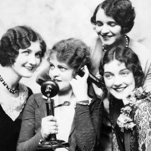 1920sPhoneGirls450x450